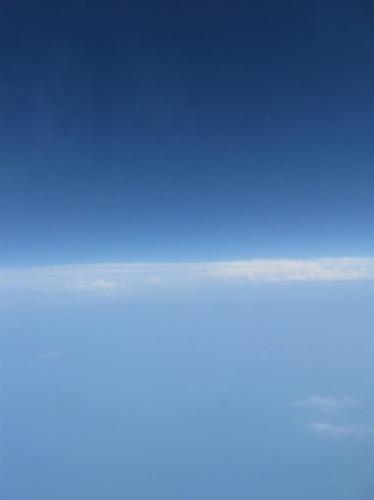 10・雲の上では。地球と宇宙と・・皆 仲良く。.jpg