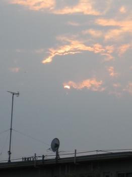 5時33分 あ~雲に隠れる。。。.jpg