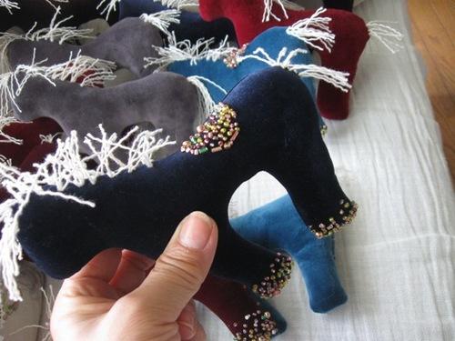 夢がいっぱいの飾り馬♪.jpg