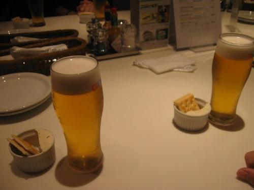 きくちゃんと生ビールで乾杯.jpg