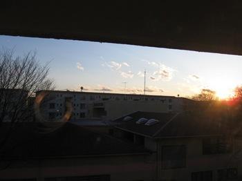 この窓から射しこんで・・・。.jpg