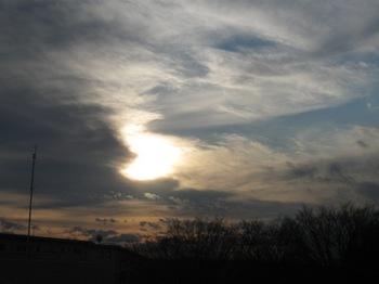 すご~く手前の雲 ずっと向うの雲.jpg