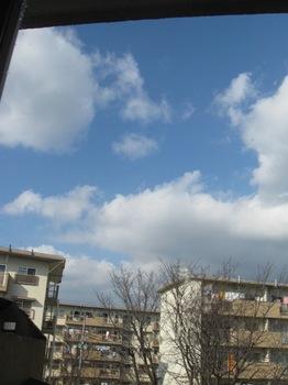 ほんのひと時の青空.jpg
