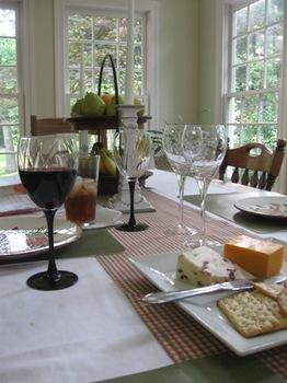 チーズとワインで軽く腹ごなし♪.jpg