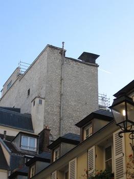 パリには今も煙突掃除屋さんがいらっしゃるそうな・・・.jpg
