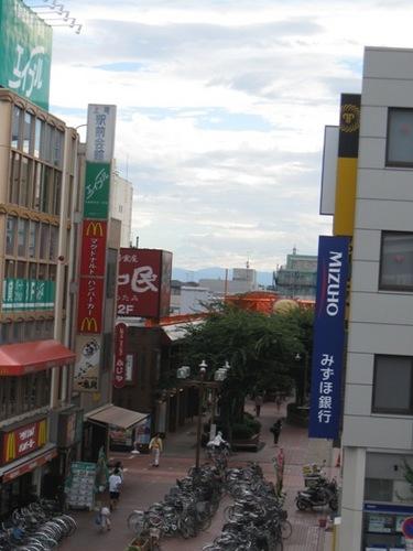 上尾駅前西口方向 この正面に富士山が見えます♪.jpg