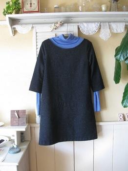 今回はブル―のセーターを組ませて.jpg