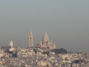 凱旋門屋上から6 サクレ・クール寺院をみる.jpg