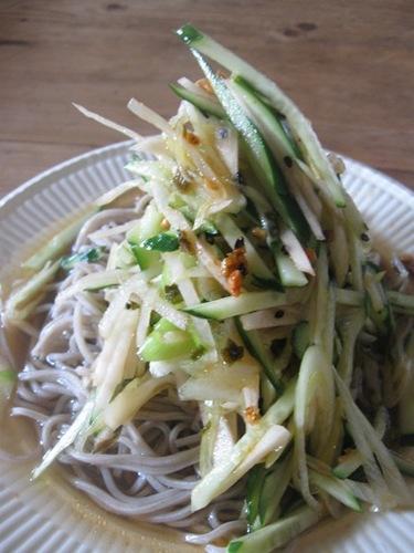 千切り香味野菜のっけ盛り冷やし蕎麦ランチ.jpg