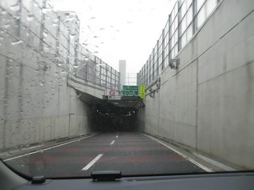 右 みぎ ⇒と呪文のように言い続けて入れた山手トンネル♪.jpg