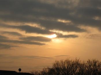 夕方 雲間から太陽が・・・あなた一日隠れていたねぇ~☆.jpg