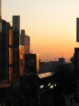 夕日に染まる富士山です.jpg