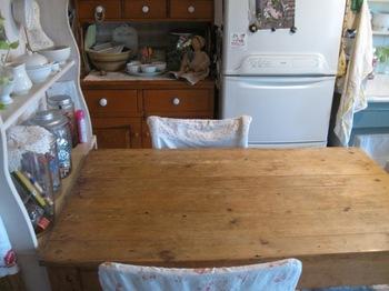 孫対応テーブル 何も置かない(笑)お料理の補助台に.jpg