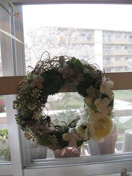 小さい白い花のリース.jpg