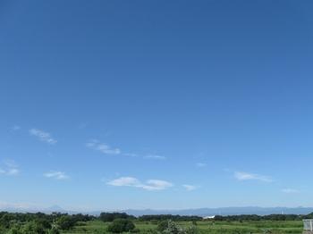 左に富士山 右には・・剣・・ 剣岳?いや違ったか・・・.jpg