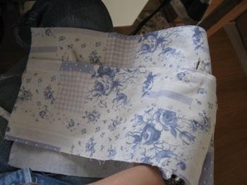 布の下を持って表に返して見る.jpg