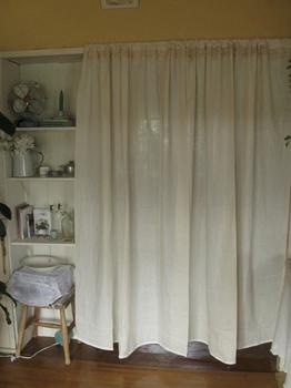 母娘展の会場 廊下のカーテン♪完成.jpg