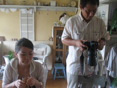 盛り付けたところも撮りましょうかと木谷さん♪早く食べましょうとおりまさん(笑い).jpg
