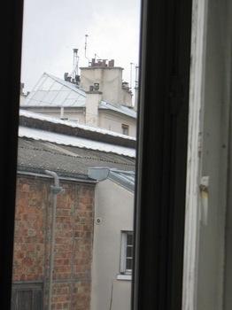 窓から見える煙突の数だけ暖炉があります.jpg