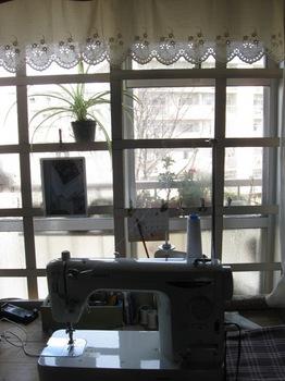 窓の外が明るい さあ 仕事しよ!.jpg