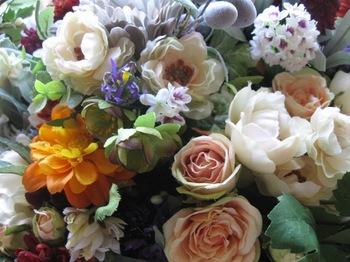 色とりどりの花束.jpg