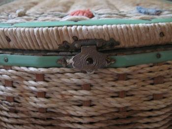 裁縫箱の金具.jpg