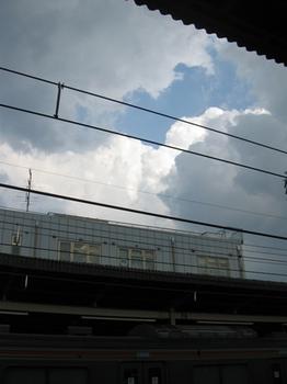 西国分寺のホームから空を見たら。。。.jpg