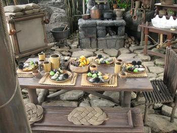 途中には海の幸山の幸の食卓が .jpg