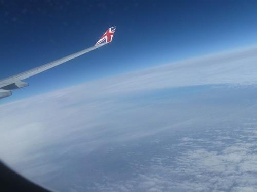 1・雲の上は。地球の輪郭.jpg