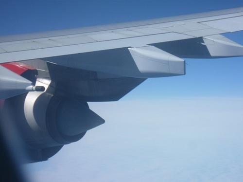 3・雲の上は。翼を見ているだけでも・・・。.jpg