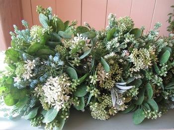 4種類の草花を使ってミニ花束を。。集めるといい感じ.jpg
