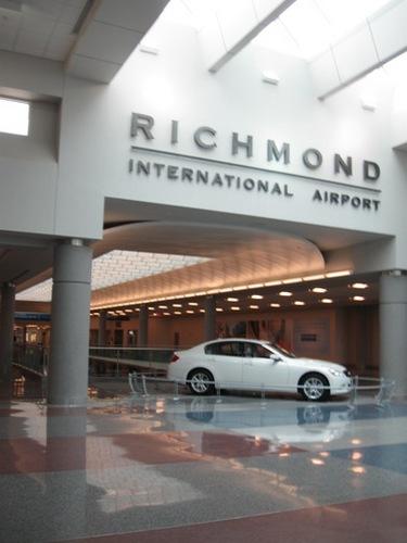 5日目 リッチモンドの空港です.jpg