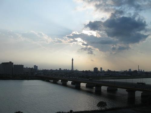 6日目 リムジンバスからの景色 パリみたい.jpg