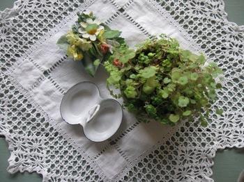 コーヒーテーブルの上 小さいものは可愛い♪.jpg