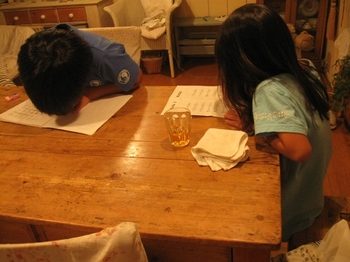 夜は宿題。。えらいね~♪.jpg