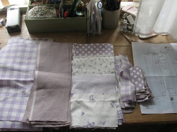 昨日カットした生地を今日は縫います.jpg